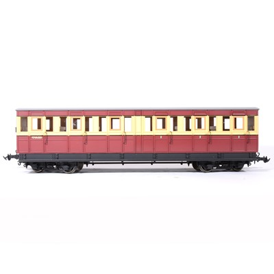 Lot 73-Accucraft gauge 1 / G scale, 45mm, Isle of Man 'Pairs' coaches, maroon and cream, (3).