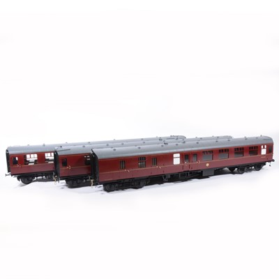 Lot 77-Tower Brass Models, gauge 1 / G scale, 45mm passenger coaches, rake of three BR maroon M35042, M4358, M34128, (3).