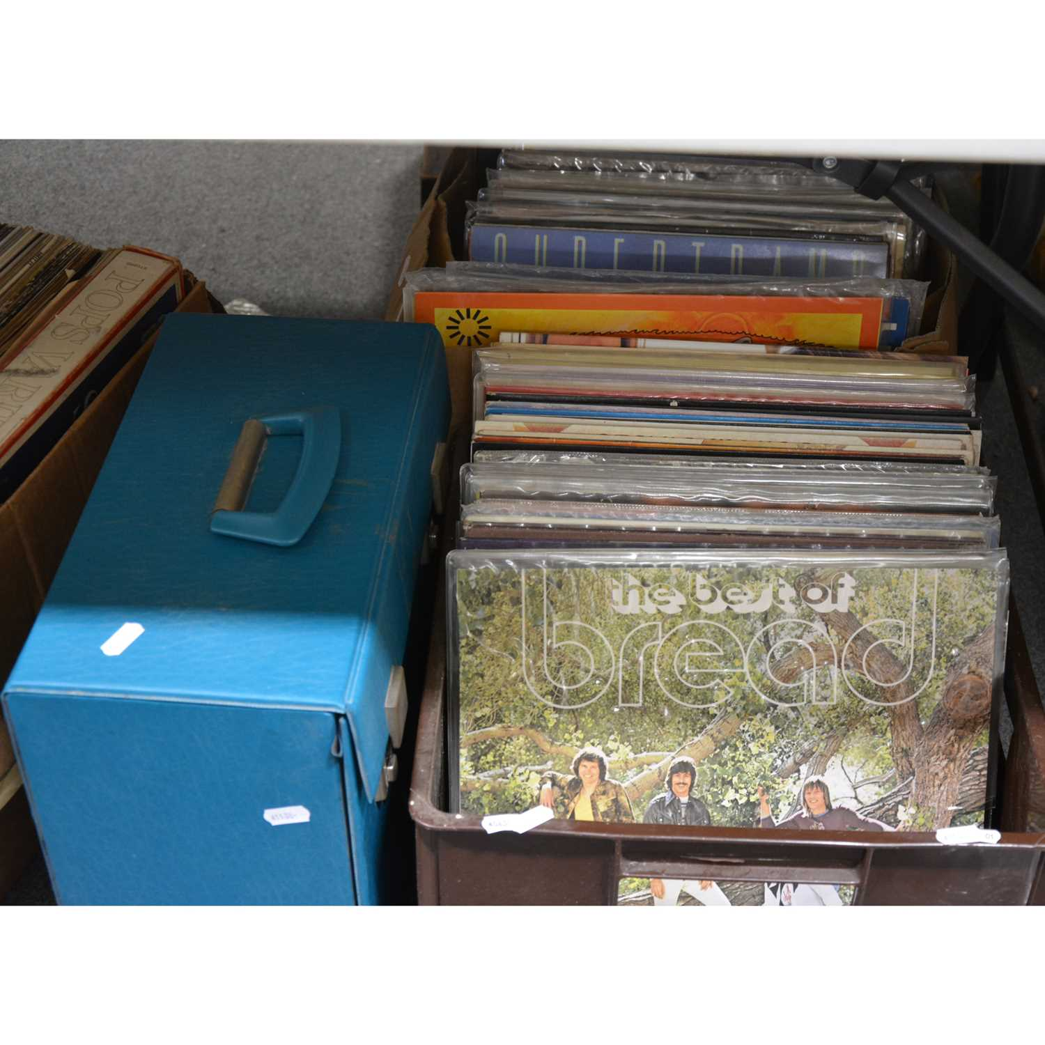 Lot 39-Vinyl record collection; aprox 80 records