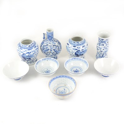 Lot 1010-A quantity of Chinese blue and white ware