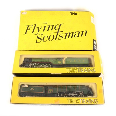Lot 524 - AMENDMENT one tender is Bachmann Three Trix Trains OO/HO gauge model railway locomotive, 'A H Peppercorn'