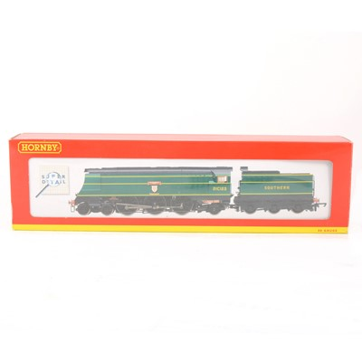 Lot 521 - Hornby OO gauge model railway locomotive R2219 SR 4-6-2 West Country class 21C123 'Blackmoor Vale' boxed.