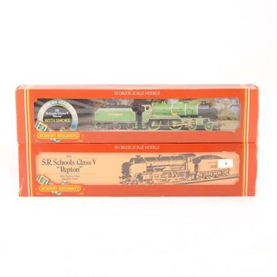 Lot 522 - Two Hornby OO gauge model railway locomotives, R683 and R380