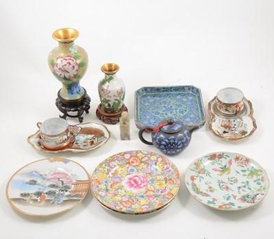 Lot 1047-A collection of Imari and Oriental ceramics