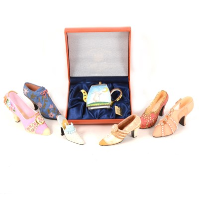 Lot 1016-A collection of miniature decorative shoes, miniatyre enamelled teapot, and household linen