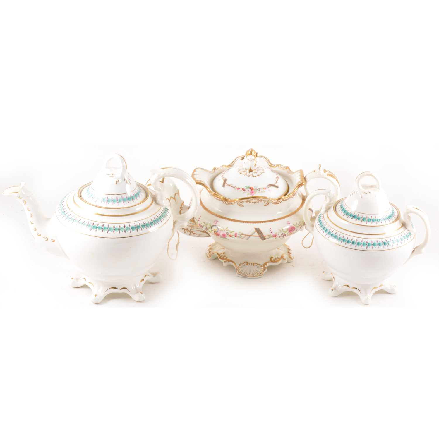 Lot 56 - A Victorian bone china comport and other Victorian pottery