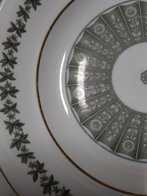Lot 16 - A Spode bone china dinner service, 'Provenance' pattern