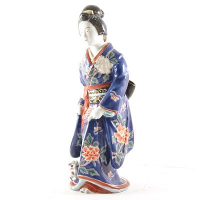 Lot 6 - A Japanese porcelain Geisha figurine