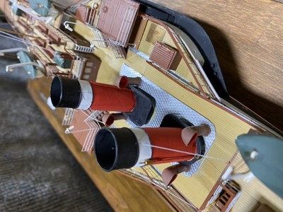 Lot 49-Model of a paddle steamer 'Jeanie Deans' by J G Wood, circa 1990s