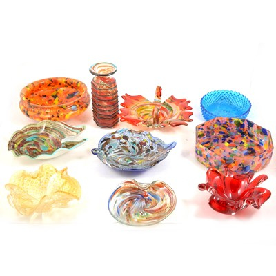 Lot 87 - A quantity of 20th century decorative glass