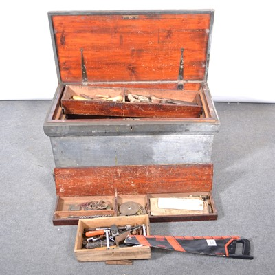 Lot 48 - Pine carpenter's tool chest, well-fitted with numerous trays, and contents.