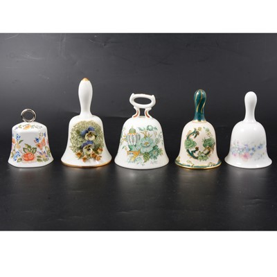 Lot 28 - China and glass ornaments