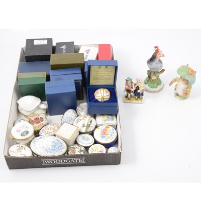 Lot 5 - Collection of ornaments
