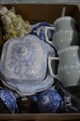 Lot 7 - Collection of ceramics