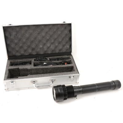 Lot 2 - HID Xenon LED rechargeable torch