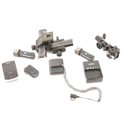 Lot 19 - Camera equipment and accessories