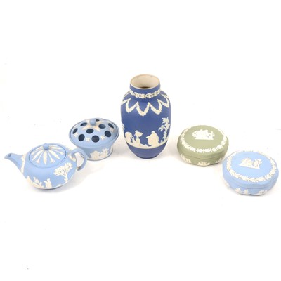 Lot 60 - Wedgwood Jasperware plates and other ceramics.