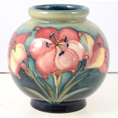 Lot 40 - Moorcroft globe vase