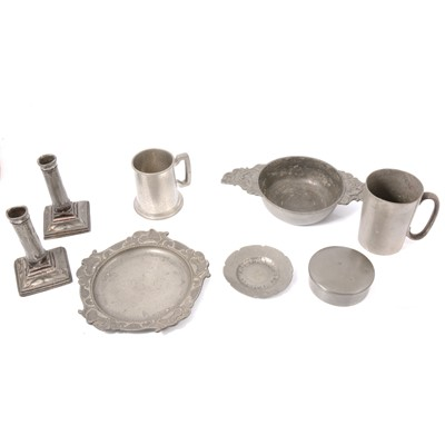 Lot 94 - Small collection of pewter.