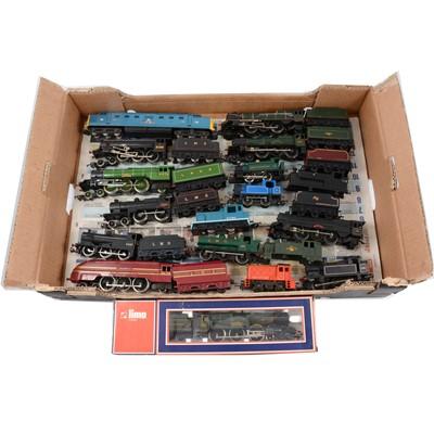 Lot 20 - OO gauge model railway locomotives