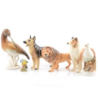Lot 7 - Beswick Lion, Blue Tit and other animal models.