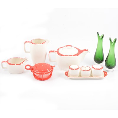 Lot 48 - Midwinter Stylecraft 'Red Domino' pattern part teaset, and glasswares.