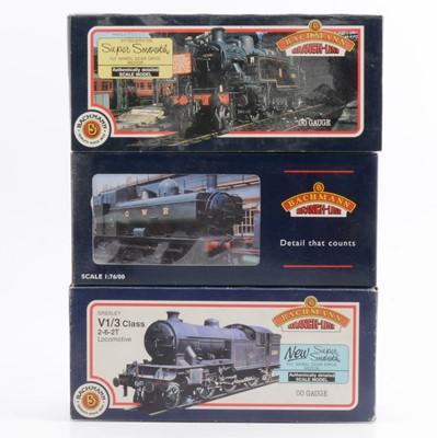 Lot 31 - Three Bachmann OO gauge model railway locomotives, 31-453, 32-200, 31-601
