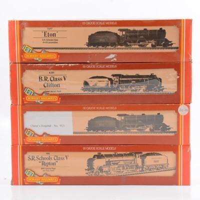 Lot 35 - Four Hornby OO gauge model railway locomotives, R683, R817 (x2), R084