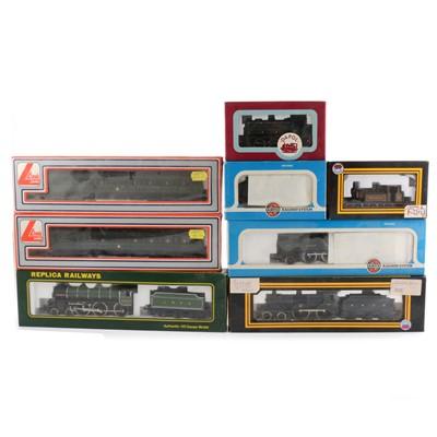 Lot 42 - Eight OO gauge model railway locomotives