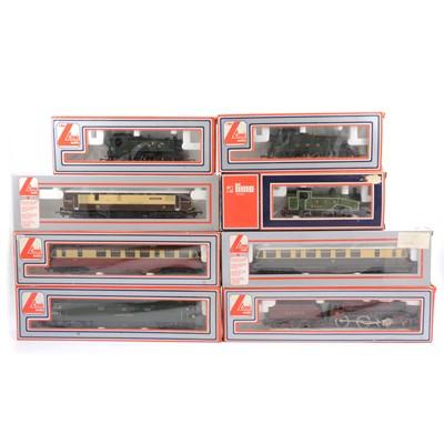 Lot 43 - Eight Lima OO gauge model railway locomotives