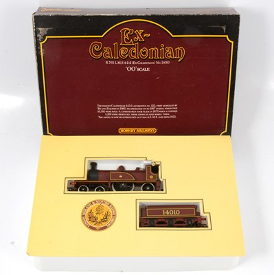 Lot 10 - Hornby OO gauge model railway locomotive set R763 LMS 4-2-2 (Ex Caledonian)