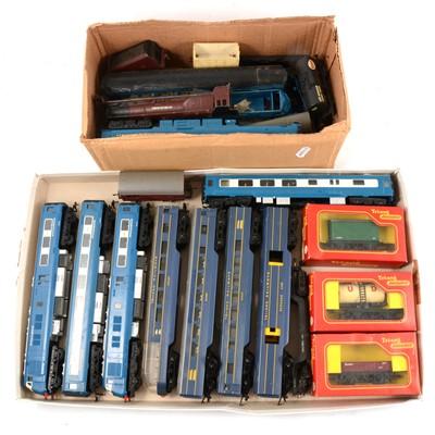 Lot 12 - OO gauge model railways, including Tri-ang Pullman W60095, power car.