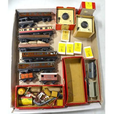 Lot 28 - Twin Trix Railway HO gauge model railway collection, including seven locomotives