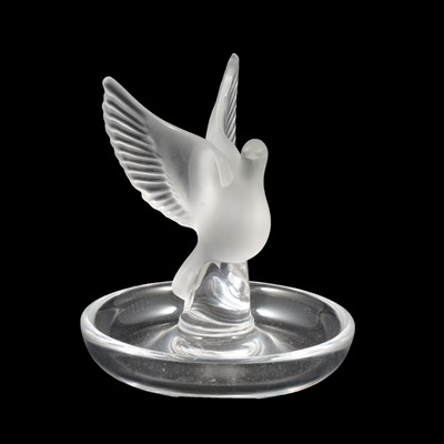 Lot 1021 - Lalique Crystal, Thalie, a frosted an clear glass dish