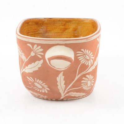 Lot 1030 - Five pieces of terracotta sgraffito ware by William and Gaye Fishley Holland.