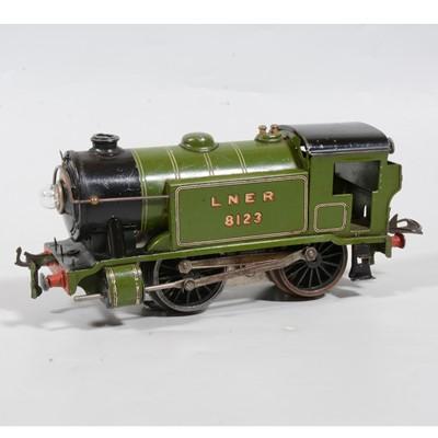 Lot 13 - Hornby O Gauge electric model railway tank locomotive, E120 Special, 0-4-0, LNER green, 8123, 20v.