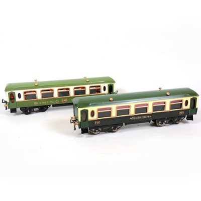 Lot 37 - Two Hornby O gauge No.2 Pullman coaches, green, 'Princess Helen' and 'Dining Saloon'