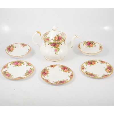 "Lot 7 - Royal Albert ""Old Country Roses"" pattern china"