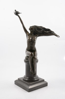 Lot 1017 - Amadeo Gennarelli, Pigeon Carrier, patinated bronze