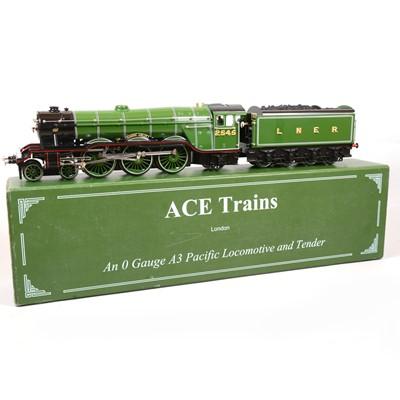 Lot 17 - ACE trains O gauge model railway locomotive and tender, LNER 4-6-2, 'Diamond Jubilee'