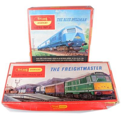 Lot 93 - Two Tri-ang OO gauge model railway set; RS52 and RS51