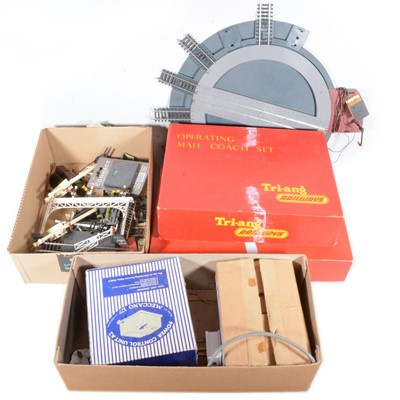 Lot 80 - Tri-ang OO gauge model railways, a selection of signal points etc.