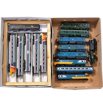 Lot 48 - Hornby and Tri-ang OO gauge model railway diesel locomotives.