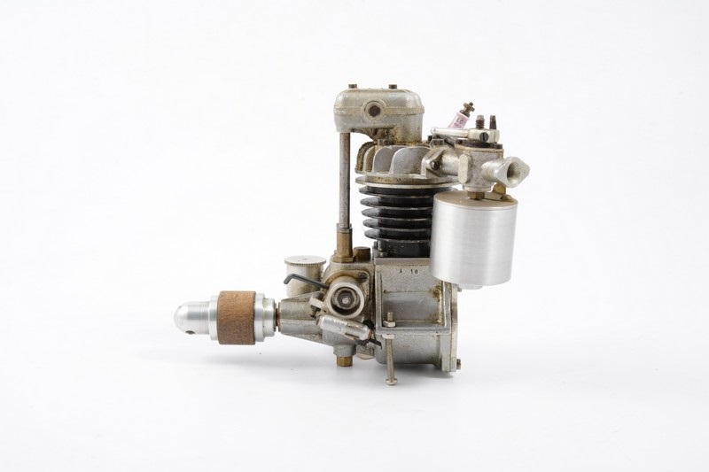 Aeromodel Engines | Gildings Auctioneers & Valuers